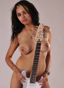 Sexy Nicole Teases With Just A Guitar Covering Her Sexy Completely Naked Body - Picture 2