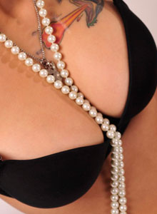 Nicole Shows Off Her Big Tits In A Tight Black Bra And A Pearl Necklace - Picture 10